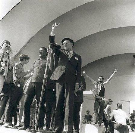 Robert Birnbaum (Photographer), William S Burroughs in Grant Park, Chicago, 1968, during the Democratic National Convention